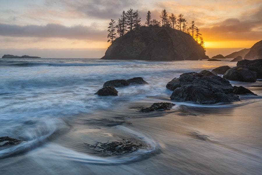 Pacific sunset by Razvan Iliescu on 500px.com