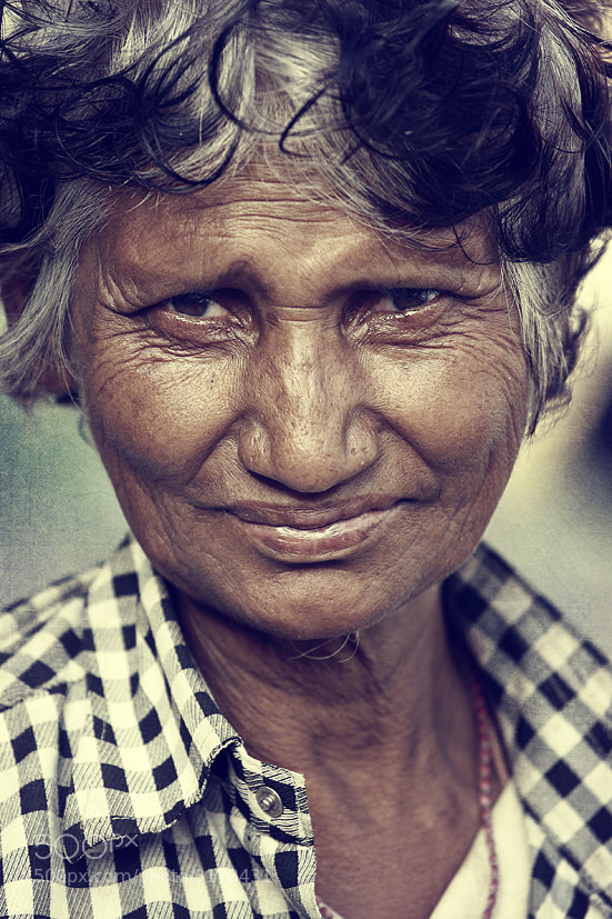 Photograph a woman by Raeid Allehyani on 500px