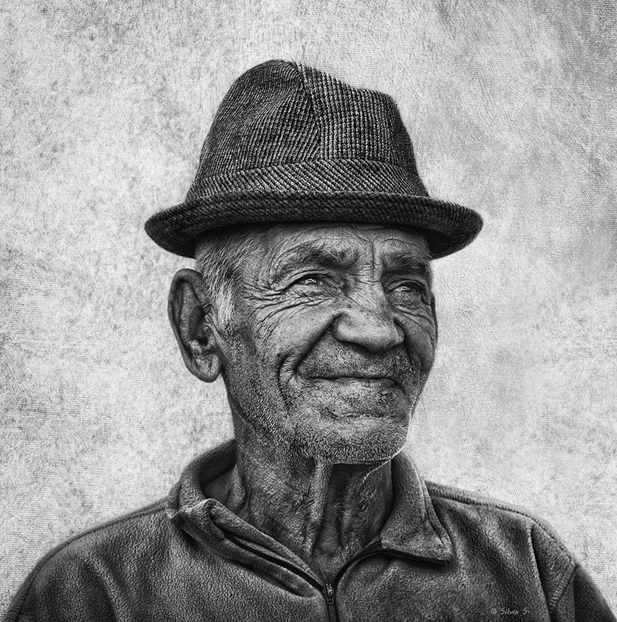 Photograph A smile in old eyes by Silvia S. on 500px