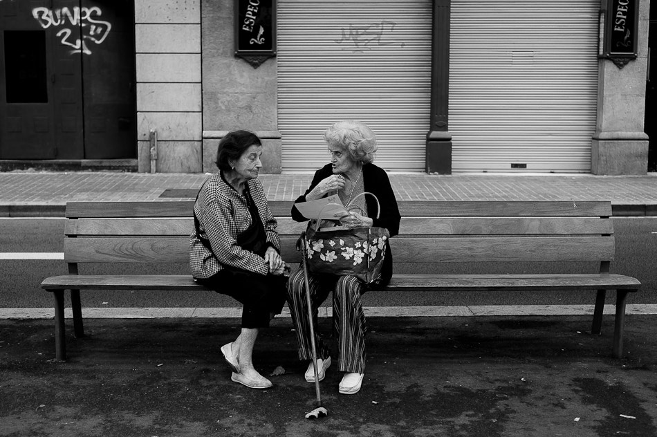 Photograph Stories on a bench by Ian RP on 500px