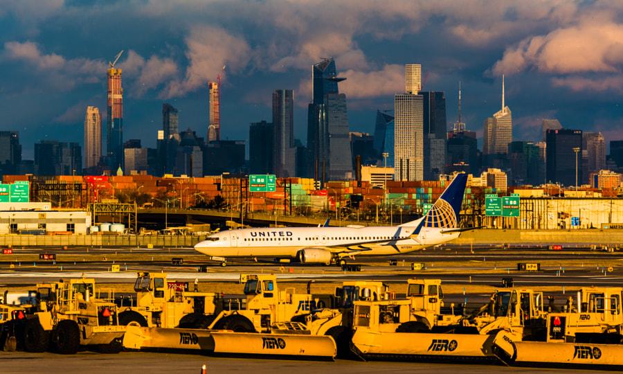 Golden Newark 737 by hugociss  on 500px.com