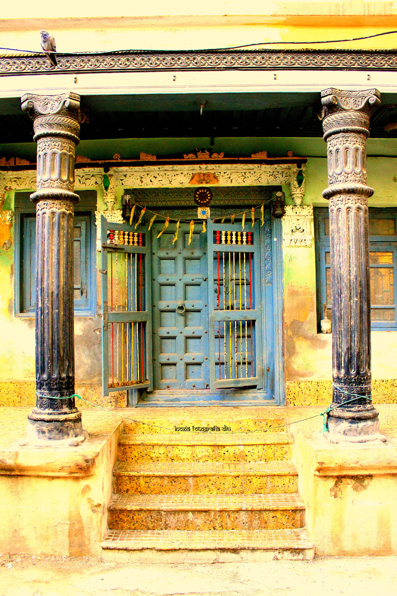 Photograph Old door designs by Inoxia Diu on 500px