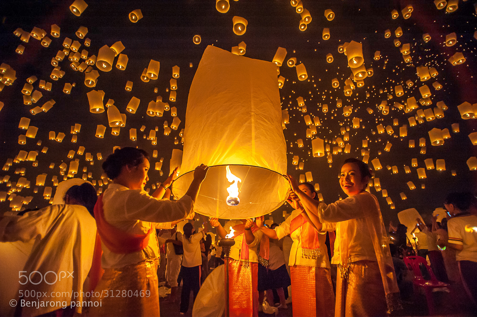 Photograph Yi Peng Festival by benjarong pannoi on 500px