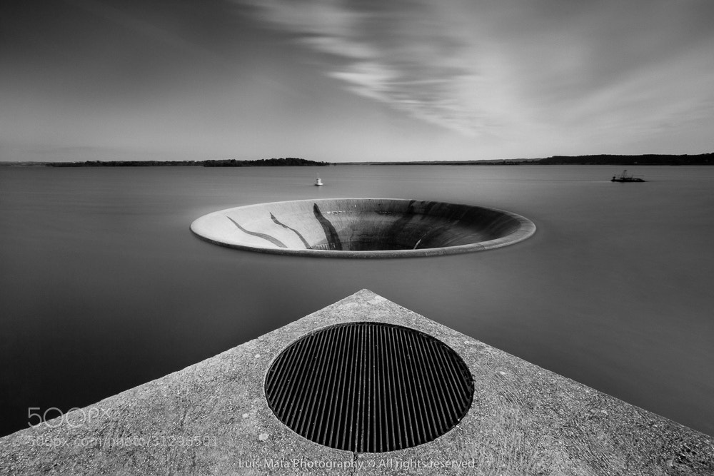 Photograph The dam hole by Luis Mata on 500px