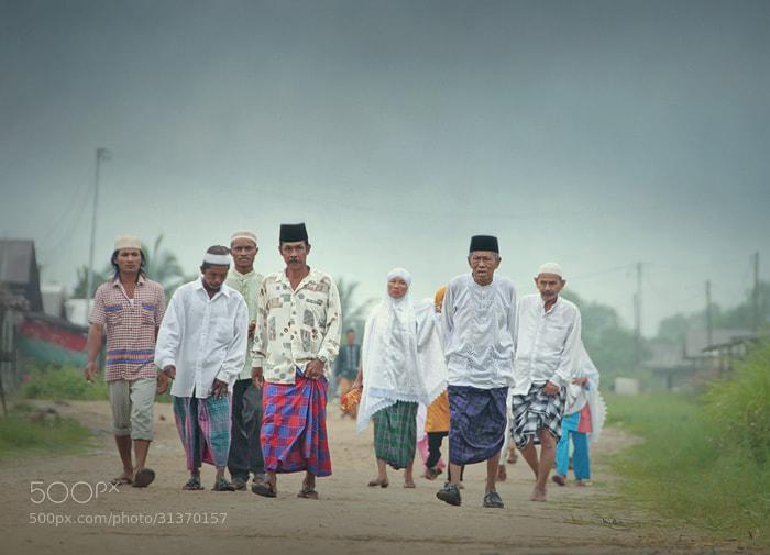 Photograph ketika adzan di kampung lama by Teuku Jody  Zulkarnaen on 500px