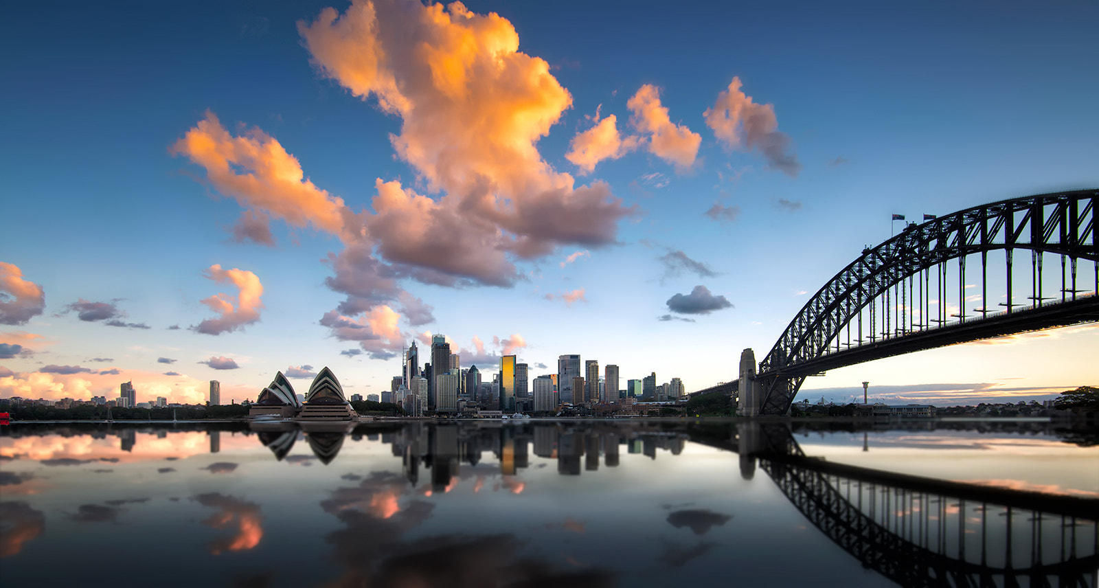 Photograph Sydney harbour  by Goff Kitsawad on 500px