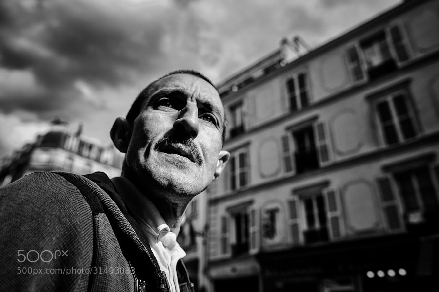 24mm Parabellum : wide angle street photography from France.