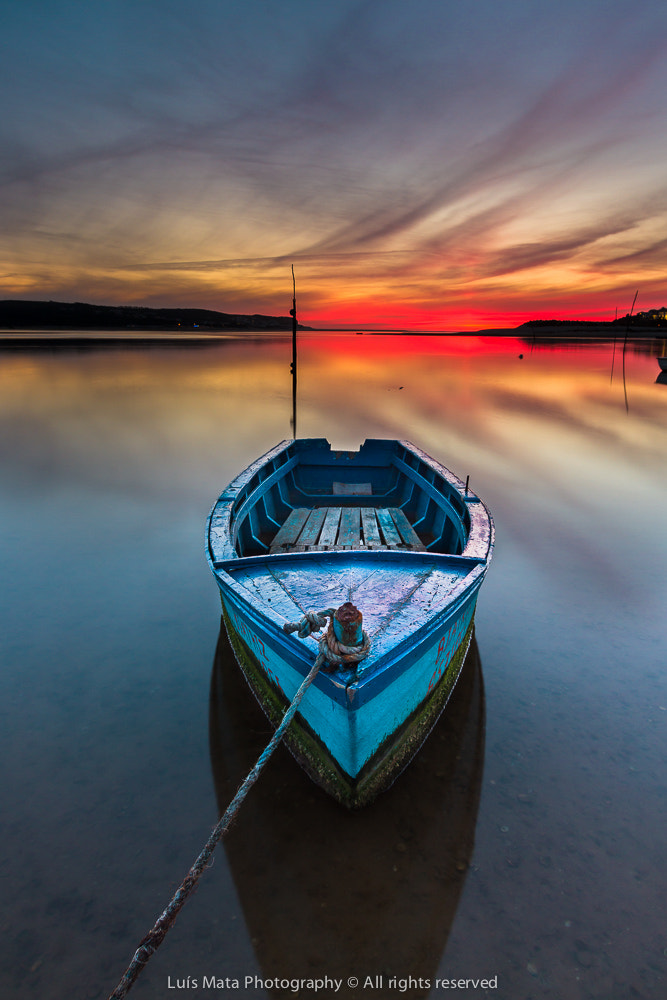 Photograph The blue boat by Luis Mata on 500px