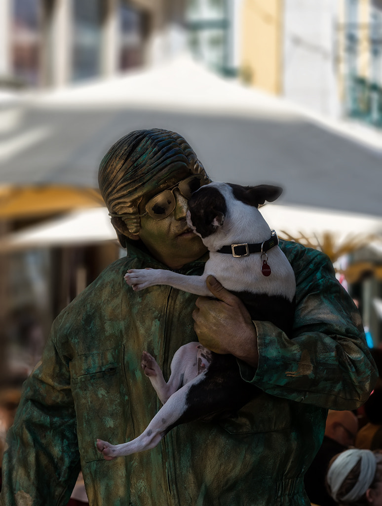 Photograph The green man and the dog by Jorge Orfão on 500px
