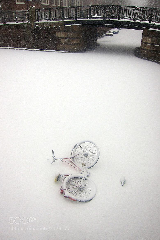 Photograph Frozen Canal - Amsterdam by Ricardo Ribeiro on 500px