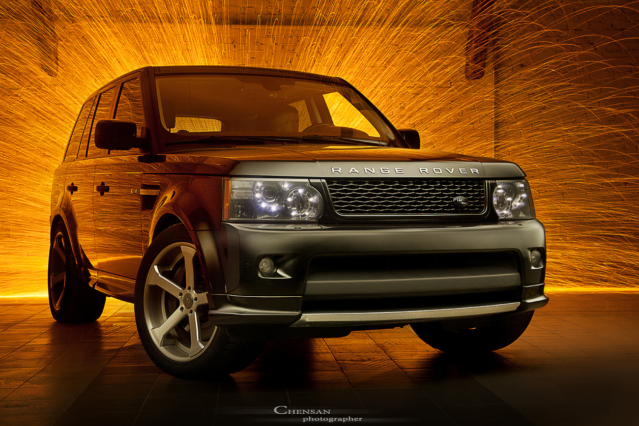 Photograph Range Rover . Sport . Verge . Russia ,Moscow,by Chensan by  Chensan on 500px