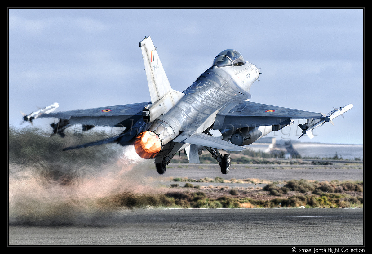 Photograph Fighting Falcon (2013) by Ismael Jordá on 500px