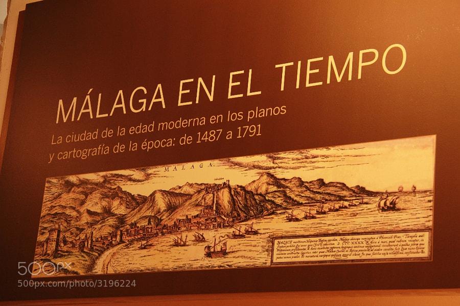 """Después de distintos avatares y ya todo en su sitio con mi conciencia, por haber perdonado a los malos, e hijos de  rabiza, me paseo por la Málaga de mis amores y por su historia. Partiendo del museo de no se qué y llegando a los emblemáticos sitios del botellón y el cachondeo, herederos de tan grandes gestas y por supuesto superándolas.  <a href=""""http://500px.com/BernardoIribarnegaray/blog/18772"""">500px.com/BernardoIribarnegaray/blog/18772</a>"""