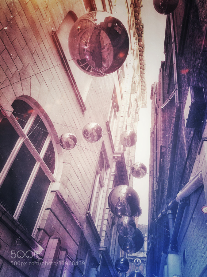 very similar to a previous one I took of this area of St Christopher's Place.This one has been shot with iPhone as I'm trying a few things in iPhoneography. I wanted it to be colourful and more lively.