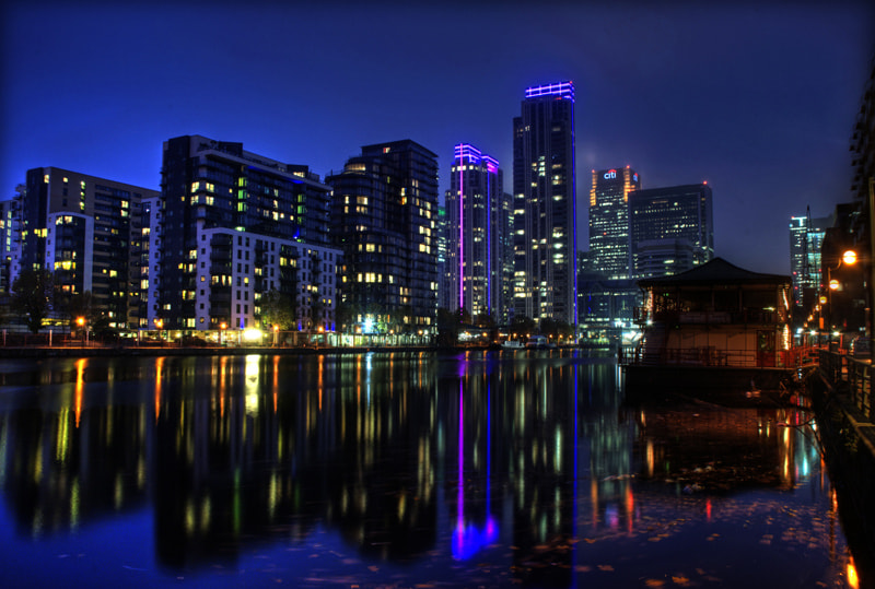 Photograph Dusk  over Canary Wharf by Andy Hewitt  on 500px