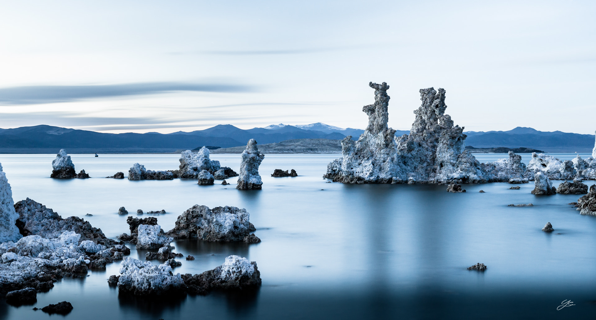 Photograph Mono lake by Yannick Carbonneaux on 500px