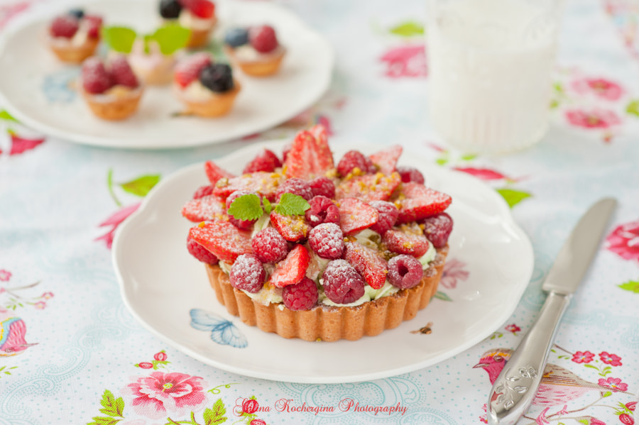Photograph Tart with pistachio nuts cream and berries by Galina Kochergina on 500px