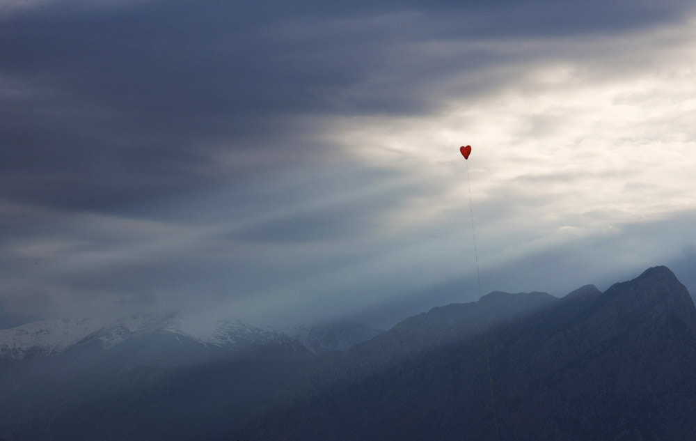 Photograph the red balloon by Burak Ercümen on 500px