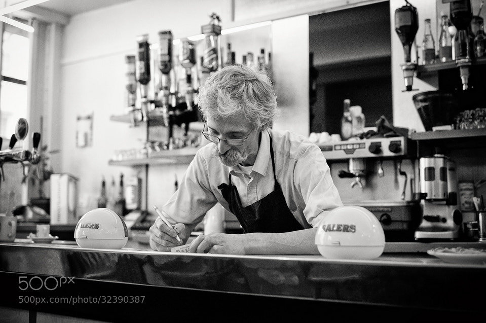 Photograph Au petit bar by Laurent DUFOUR on 500px