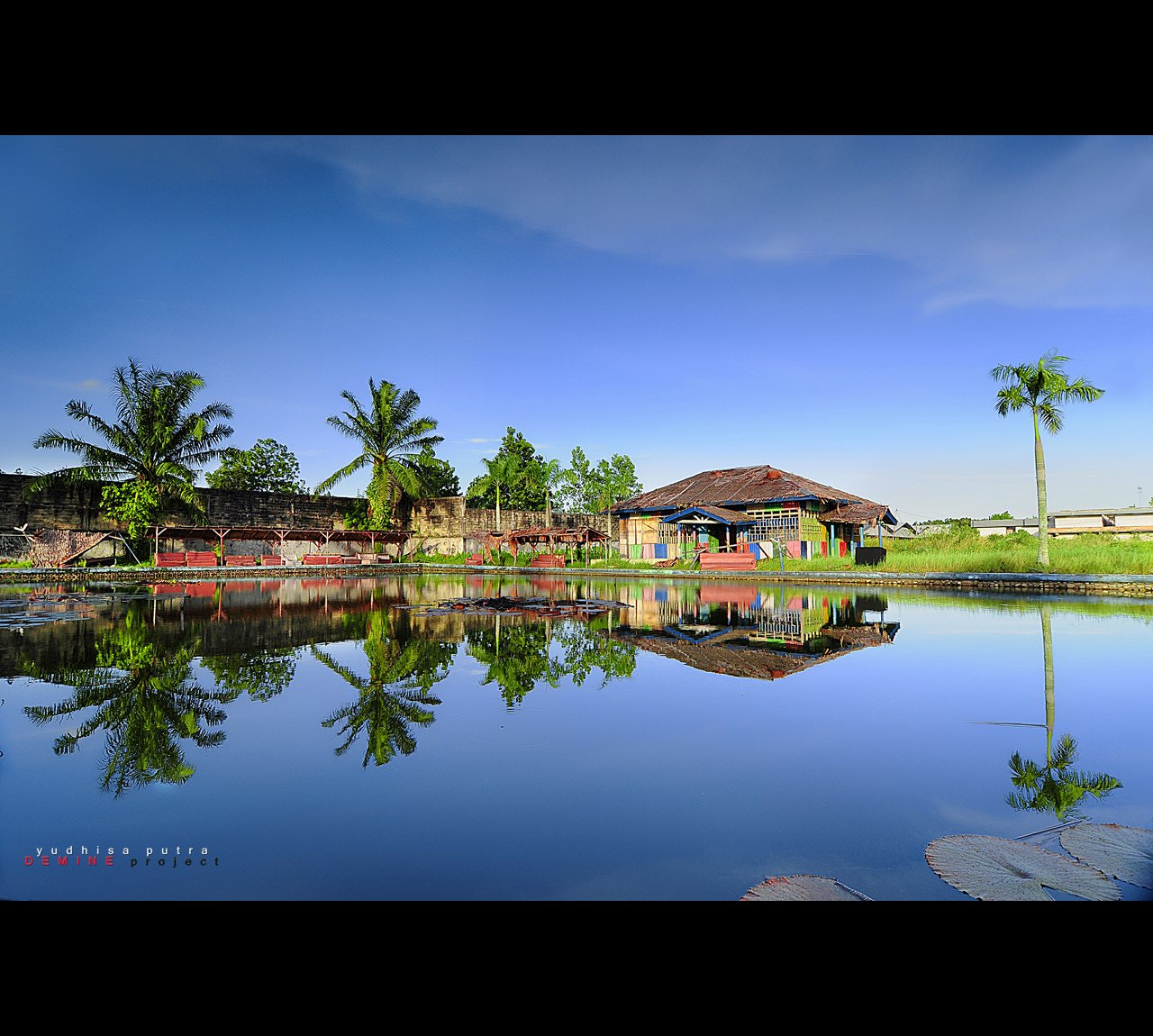 Photograph Simple Reflection by Yudhisa Putra on 500px