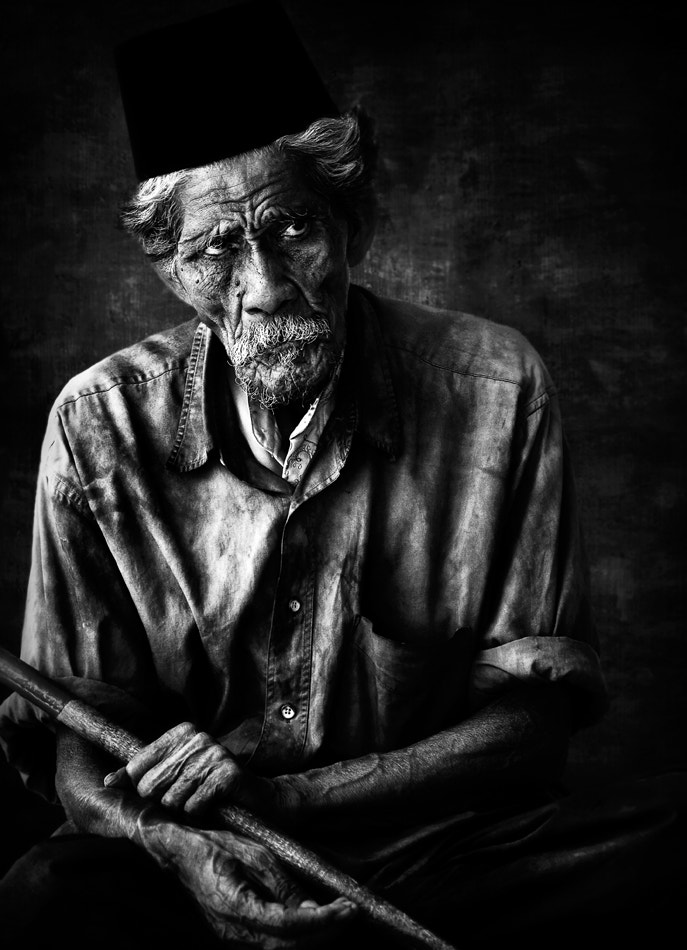 Photograph Old Beggar by Thaib Chaidar on 500px