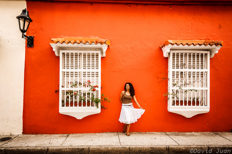 Photograph The lady in the red wall by David Juan on 500px
