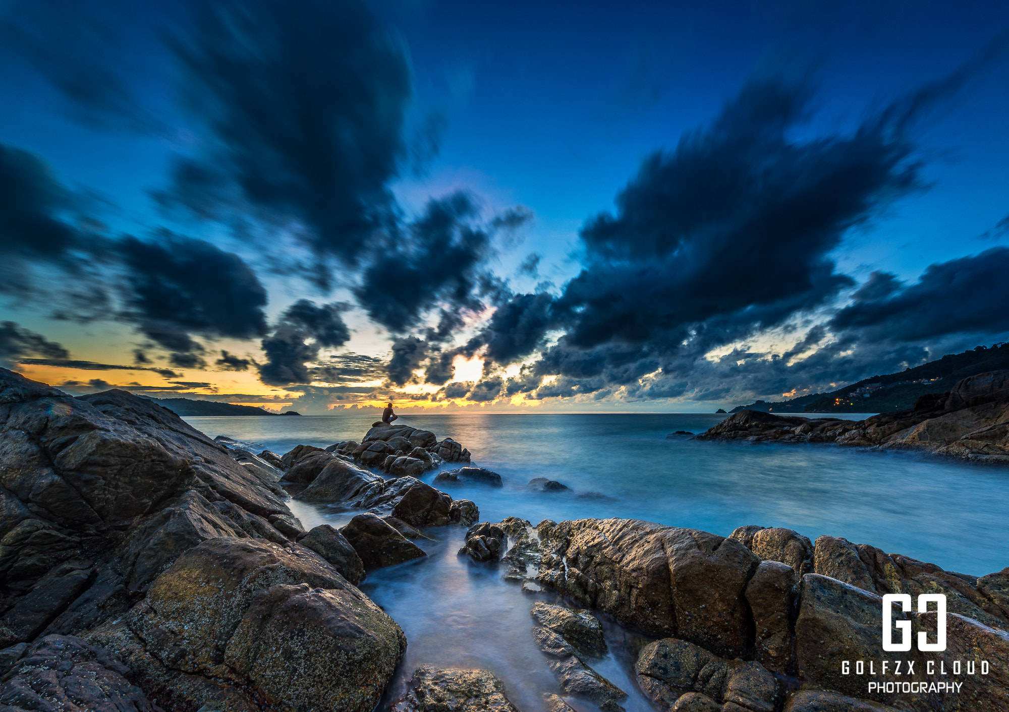 Photograph Blue sea by Golfzx Cloud on 500px