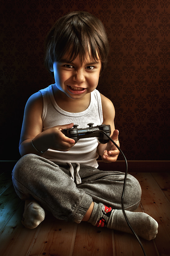 Photograph Making of - Fanatic Gamer by Adrian Sommeling on 500px