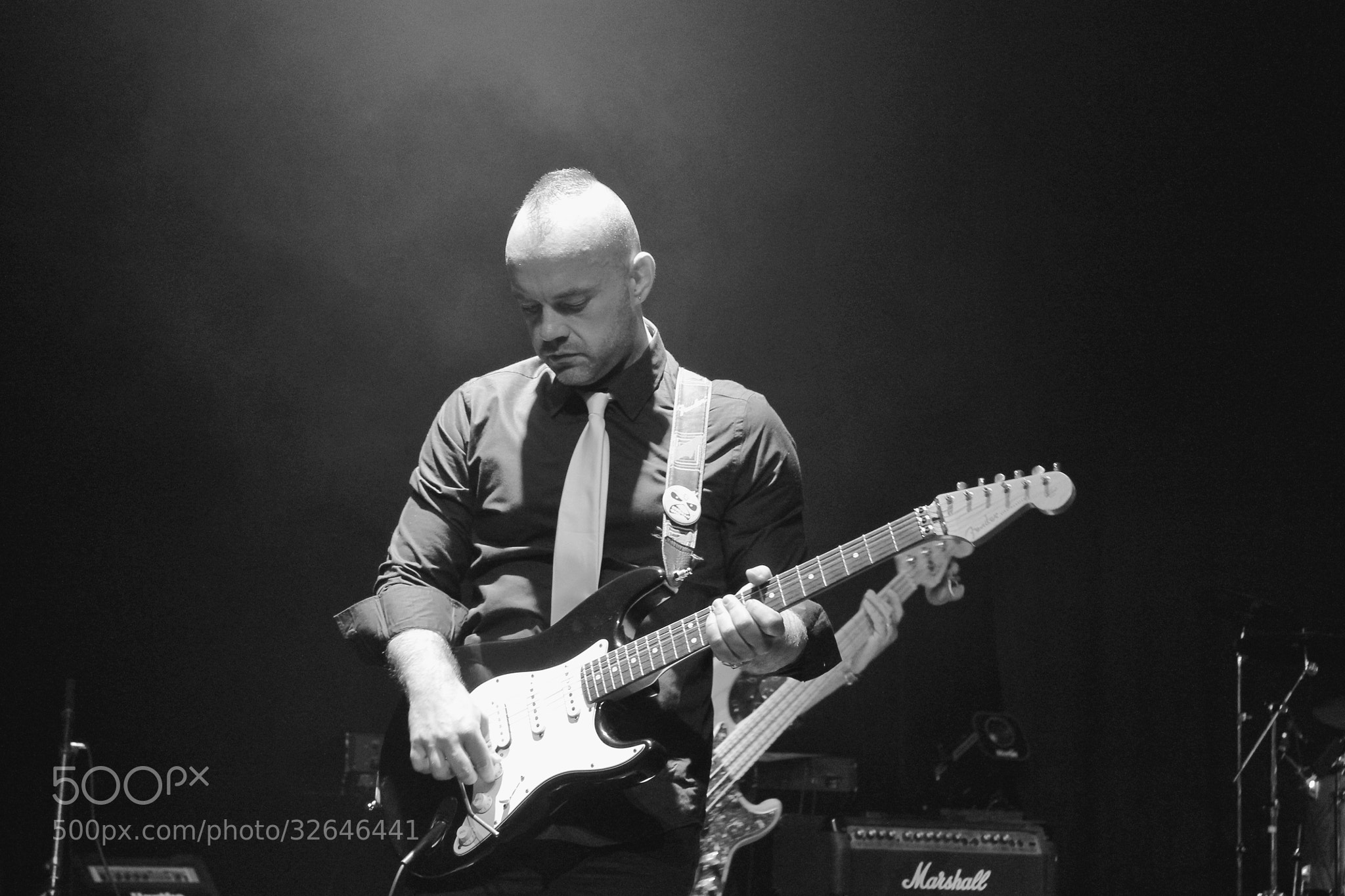 Photograph The guitariste by richard cauchy on 500px