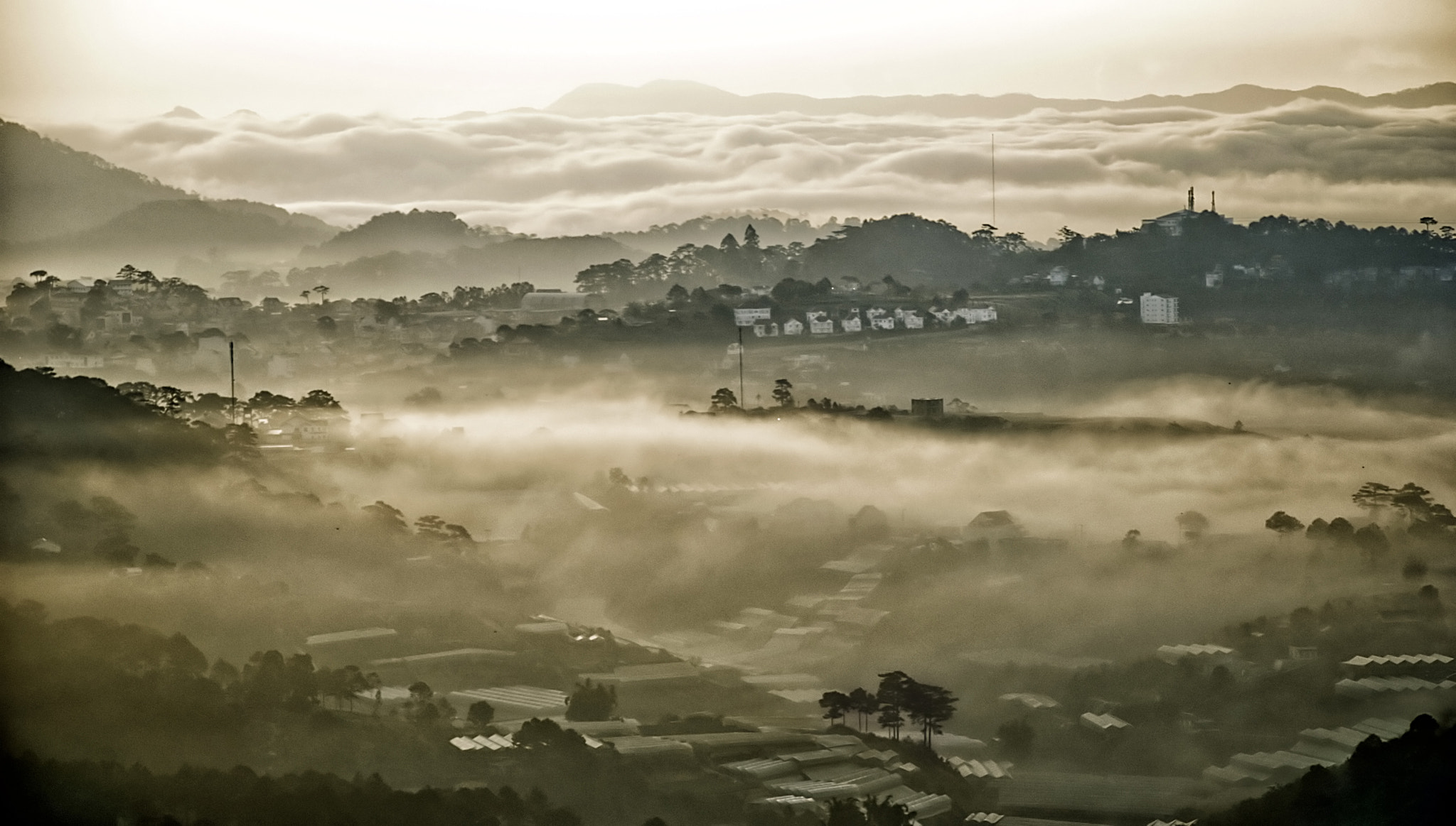 Photograph Da Lat in the fog . by Thachhan on 500px