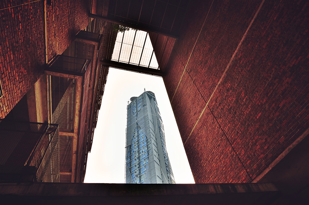 Photograph A Building within the frame by Grace Thang on 500px