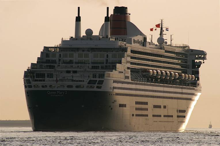 Photograph Queen Mary 2 by Guido Merkelbach on 500px