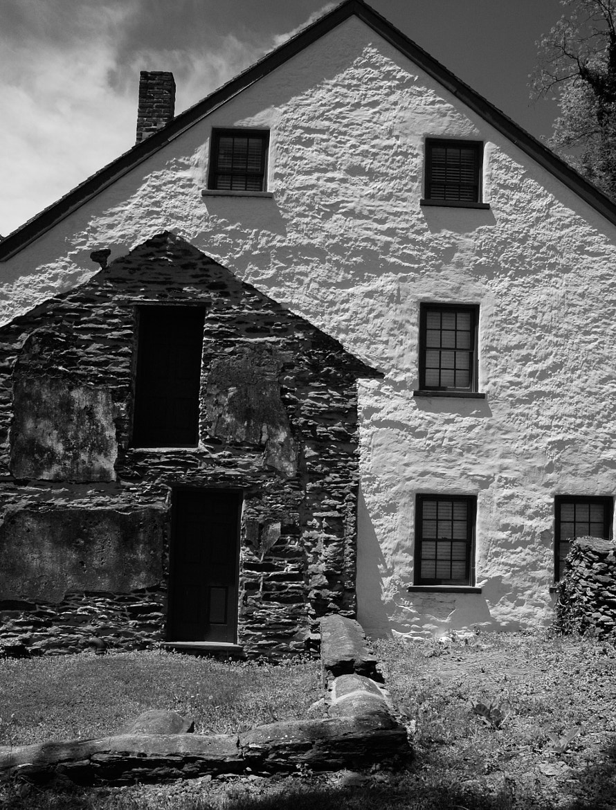 Photograph This old house. by Jonathan Greene on 500px