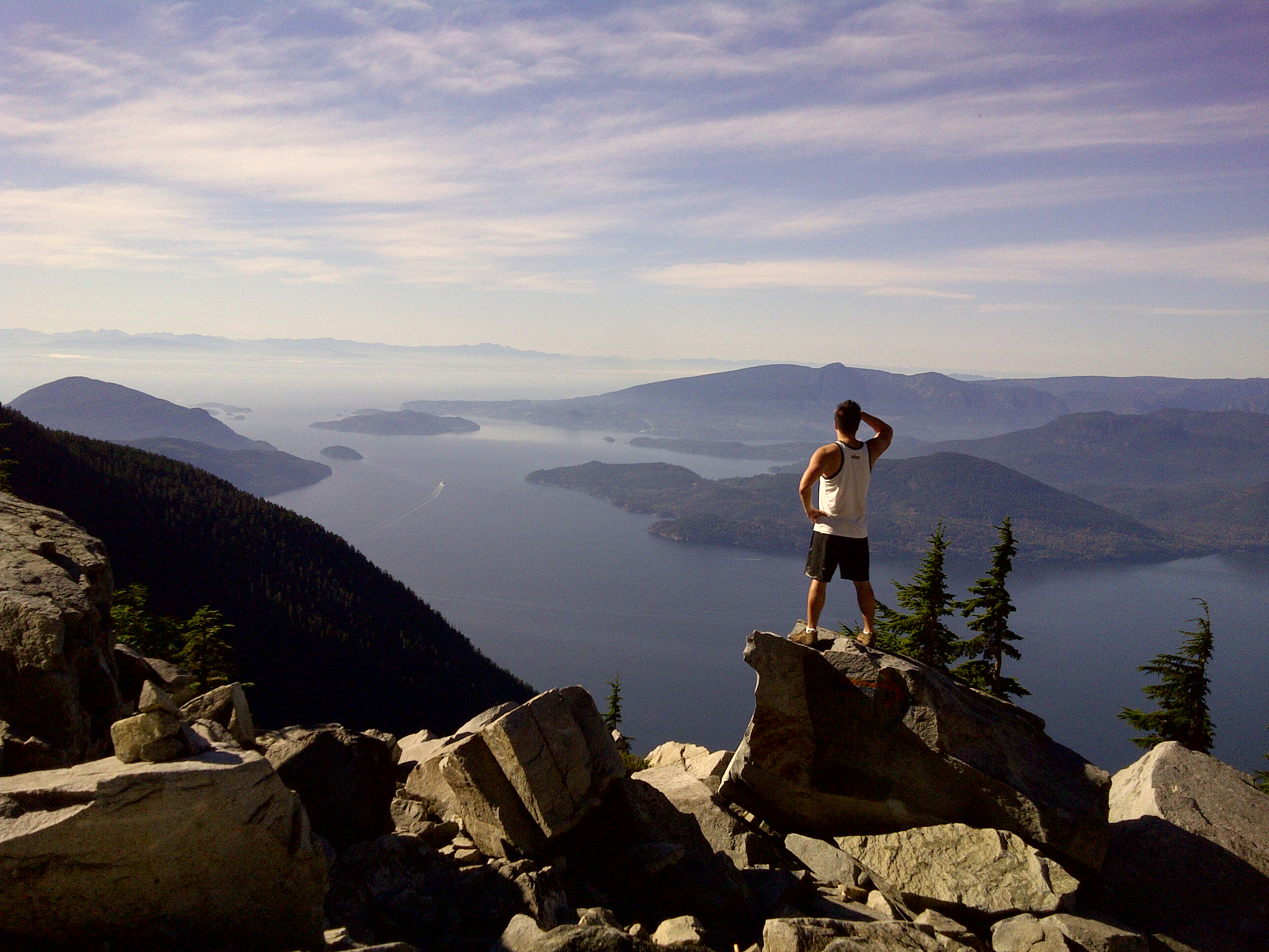 Photograph Overlooking Howe Sound from the West Lion by Alexander Trinh on 500px
