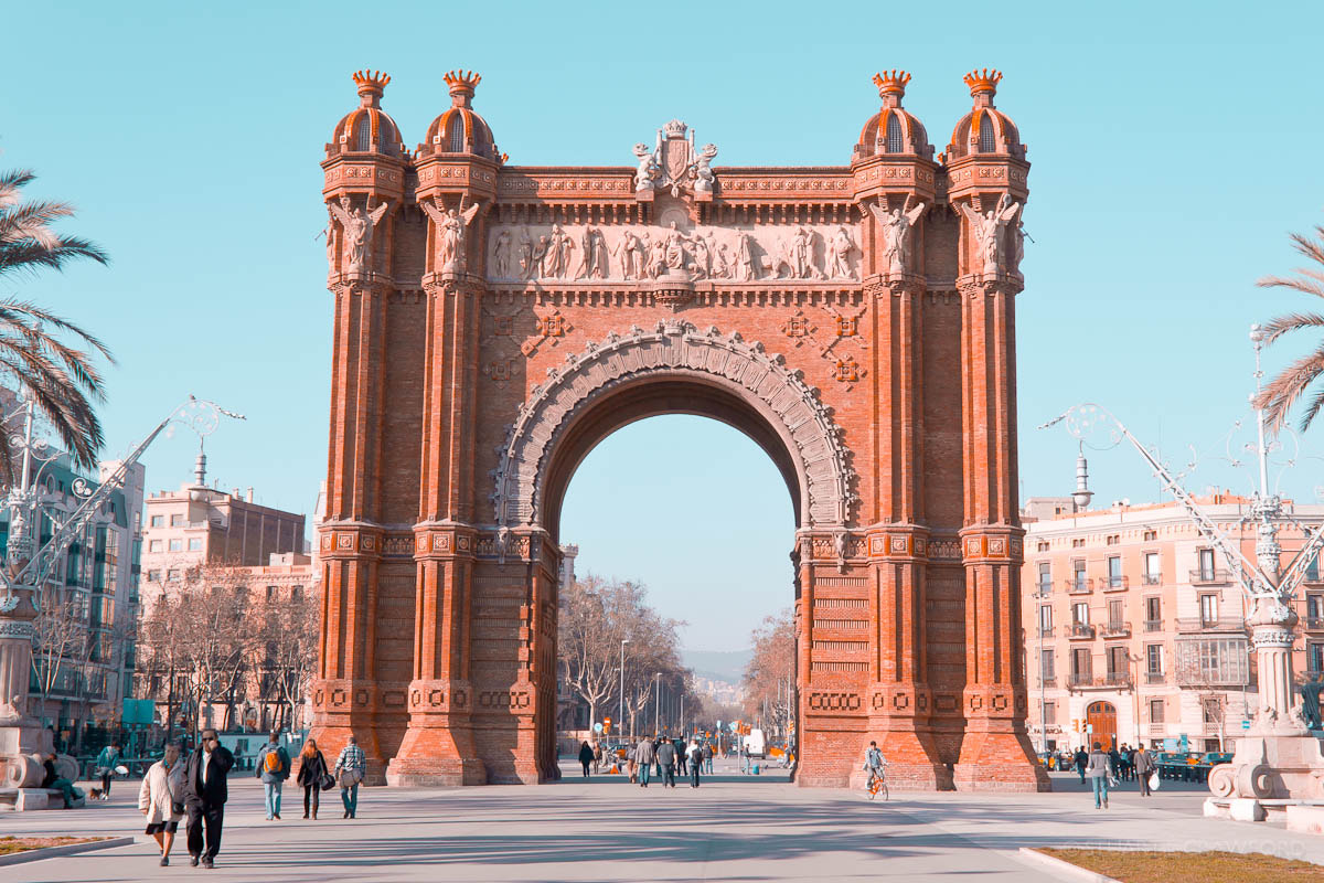 Photograph Arc de Triomf by Stuart Crawford on 500px