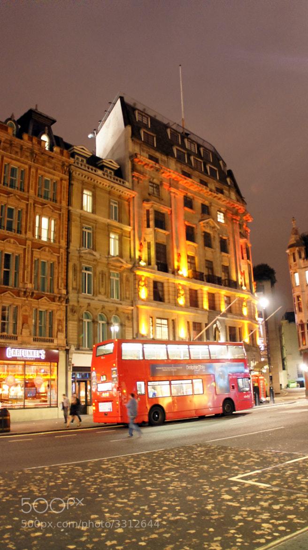 Photograph London street by Juan Reig Peiro on 500px