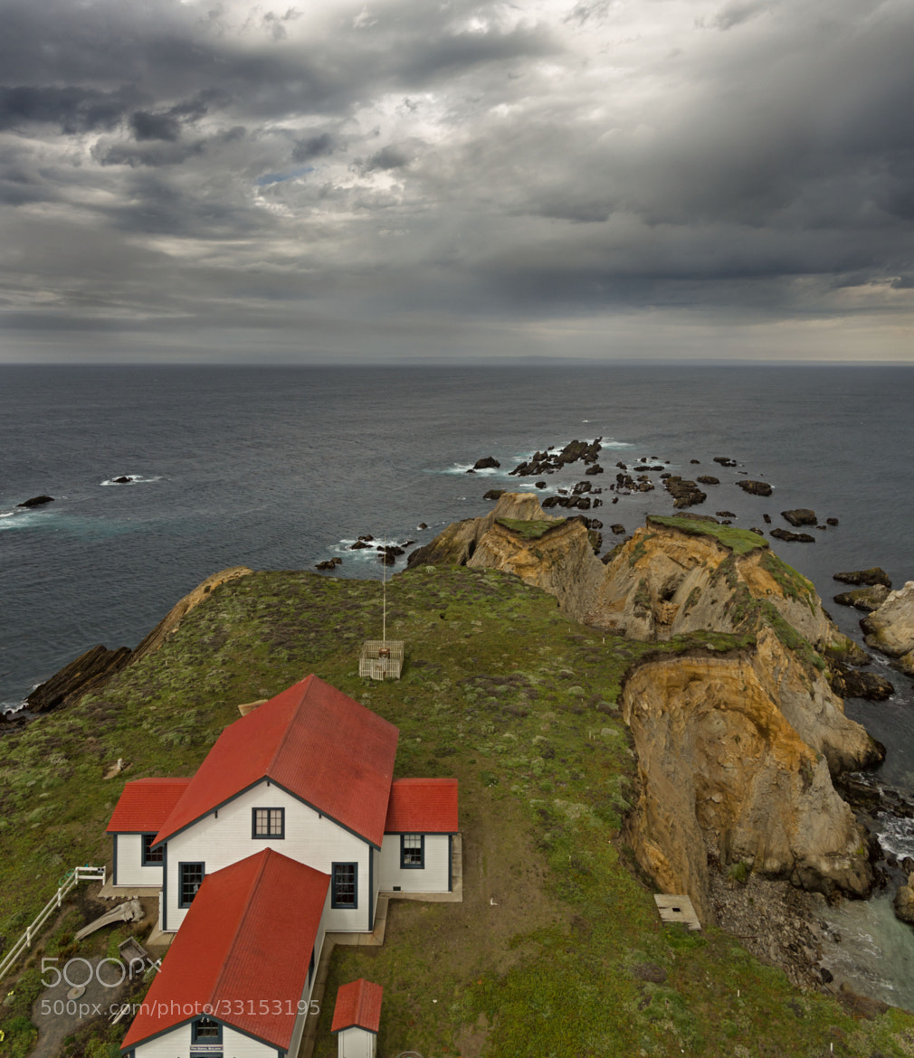 Photograph Living on the edge by nick mangiardi on 500px