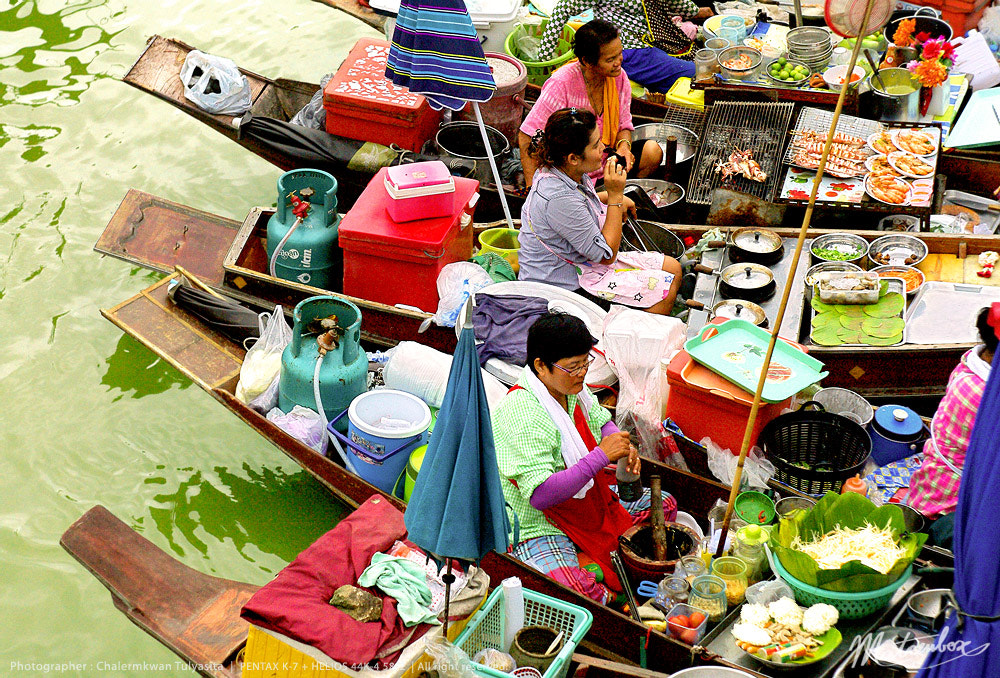 Photograph Floating Market by Matcenbox  on 500px