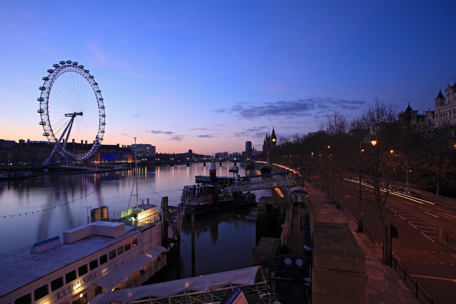 Early Morning on the Embankment