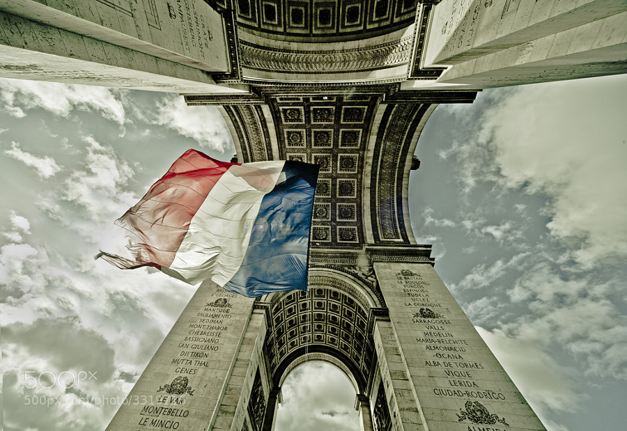 Photograph Arc du triomphe by josep Quiñonero on 500px
