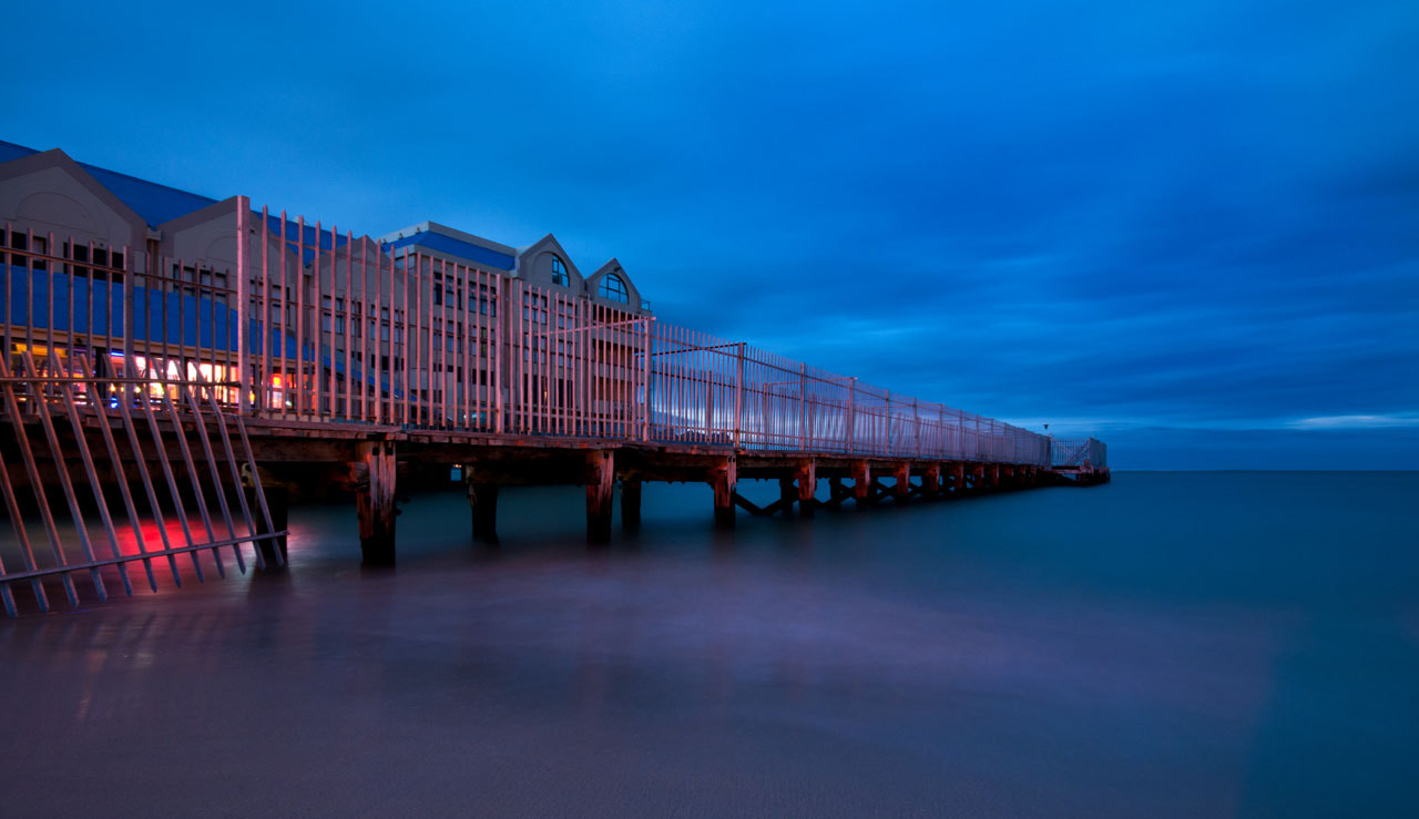 Photograph Strand Pier before sunrise by Stef Schulze on 500px
