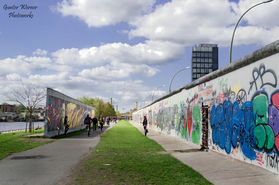 Photograph wall in berlin by Gunter Werner on 500px