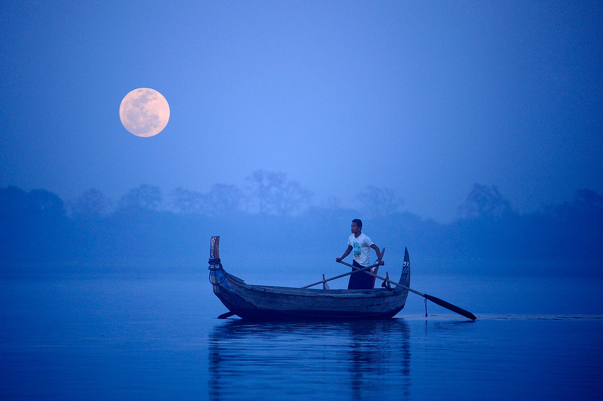 Photograph Full moon in Mandalay by Puchong Pannoi on 500px