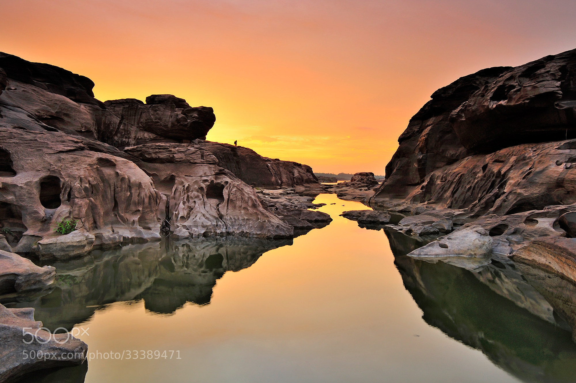 Photograph Good evening 3000 bok by Puchong Pannoi on 500px