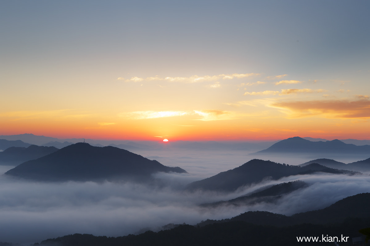 Photograph Sunrise over cloud by Suk Bae on 500px