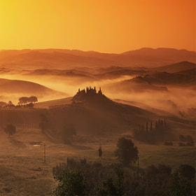 Tuscany, fantasy and colors of a spring morning ..