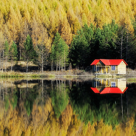 Red Roof Hut by A- freeair (70571046)) on 500px.com