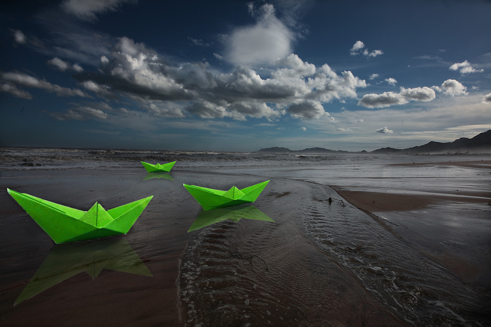 Photograph paper boats by Paola Congia on 500px