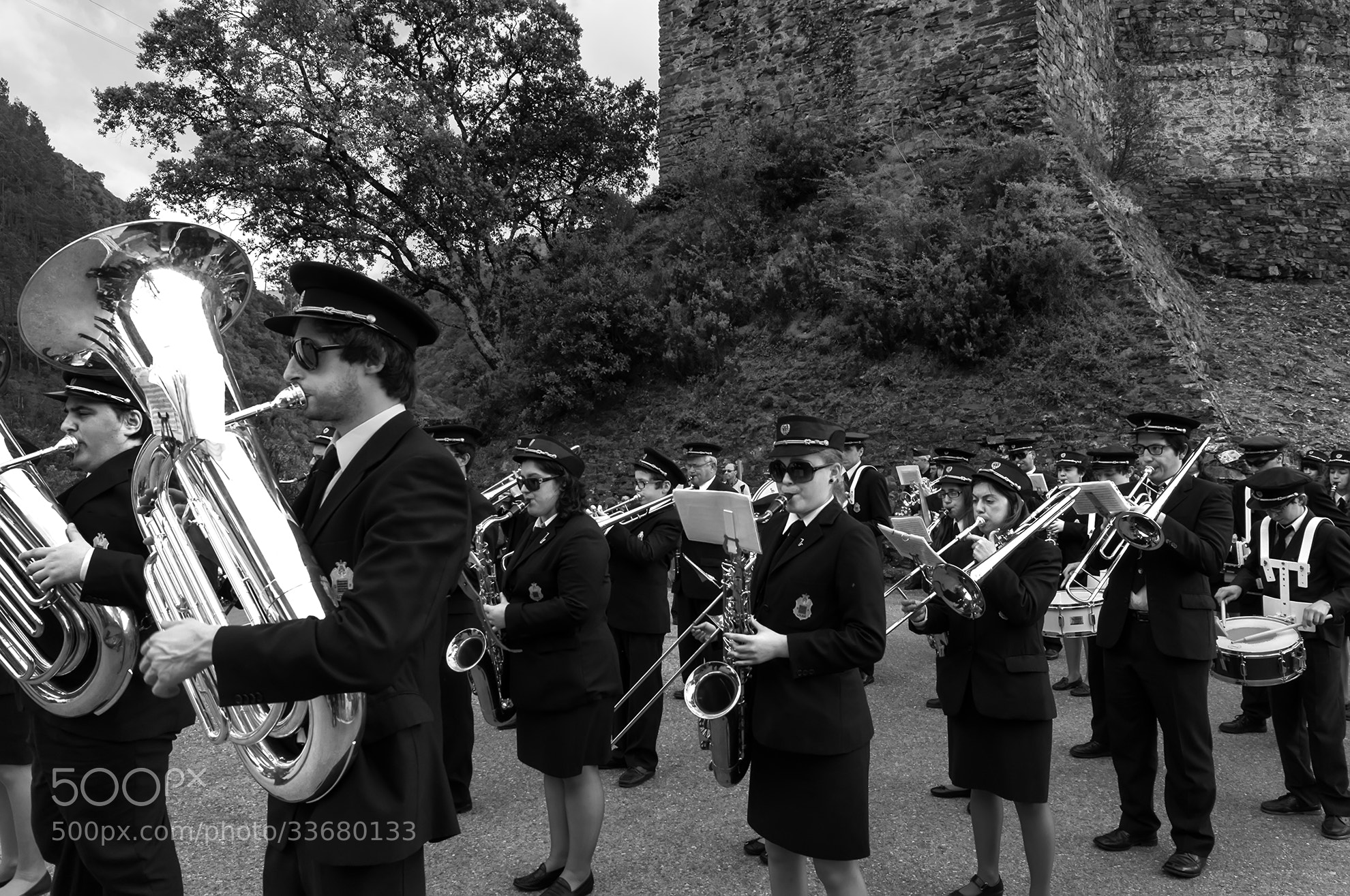 Photograph Plays the band by Jorge Orfão on 500px