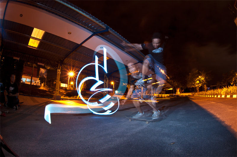 Photograph Light Graffiti : Ollie by Apai Biszign on 500px